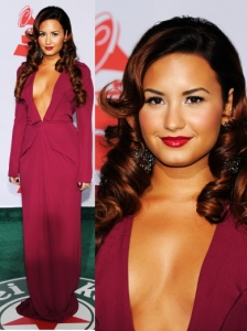 Demi Lovato in Roland Mouret Compeyson Gown
