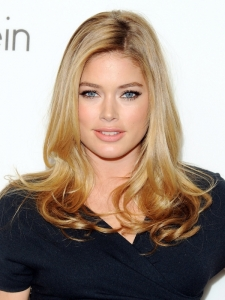 Doutzen Kroes Soft Curly Hairstyle