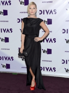 Elisha Cuthbert's Dress at 2012 VH1 Divas