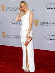 Elizabeth Banks in Versace White Gown