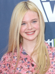 Elle Fanning Sleek Hairstyle 2011 MTV Movie Awards