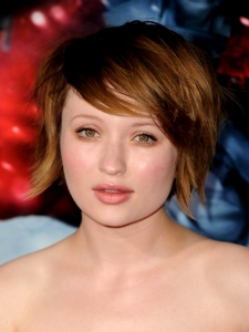 Emily Browning Shaggy Bob Hairstyle