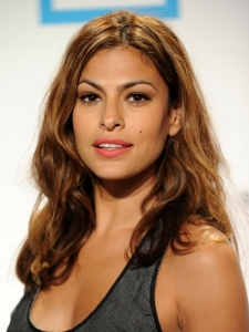 Eva Mendes Natural Wavy Hairstyle