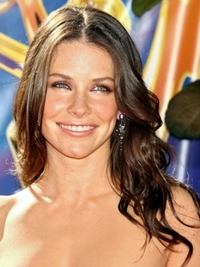 Evangeline Lilly's Long Curly Hairstyle