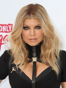 Fergie Loose Waves Hairstyle