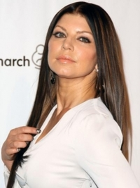 Fergie with Brunette Straight Hairstyle