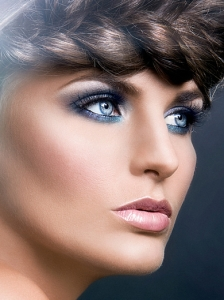 Glam Blue Eye Makeup