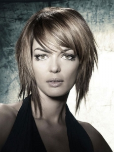 Wispy Layered Medium Hair Style