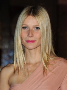 Gwyneth Paltrow Sleek Lob Hairstyle