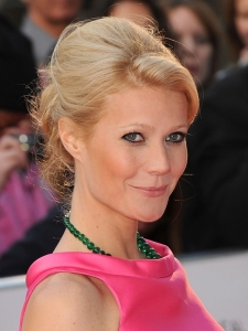 Gwyneth Paltrow 60s Inspired Updo