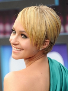 Hayden Panettiere Short Haircut with Bangs