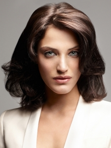 Chic Soft Layered Medium Hairstyle