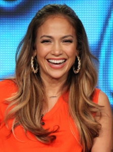 Jennifer Lopez Wavy Pinned Back Hairstyle