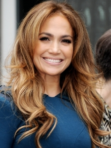 Jennifer Lopez Loose Curls Hairstyle