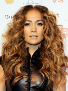 Jennifer Lopez Messy Curly Hairstyle