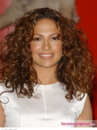 Jennifer Lopez Natural Curly Hairstyle