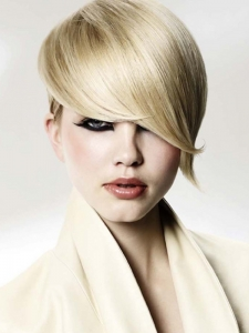 Sultry Short Blonde Hairstyle