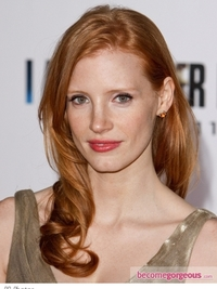 Jessica Chastain Soft Curls Hairstyle
