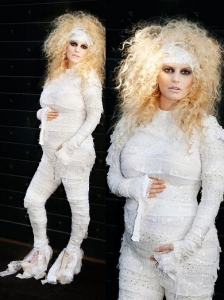 Jessica Simpson in Mummy Halloween Costume