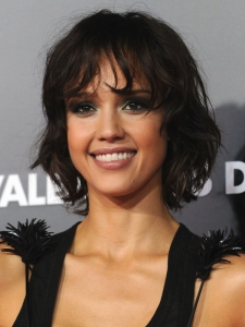 Jessica Alba New Shaggy Bob Hairstyle