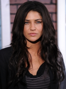 Jessica Szohr Thick Wavy Hairstyle