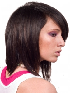 Voguish Medium Layered Haircut