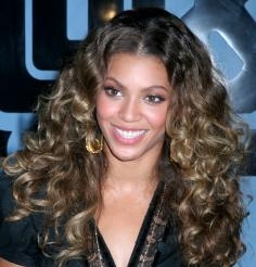 Beyonce with Strong Curly Hairstyle