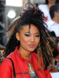 Judith Hill Crimped Micro Braids Hairstyle