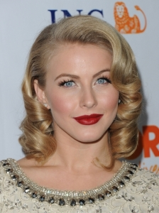 Julianne Hough Retro Glam Curls