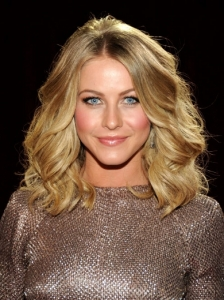 Julianne Hough Wavy Long Bob Hairstyle