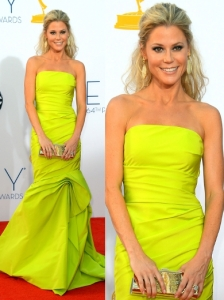 Julie Bowen in Monique Lhuillier Gown