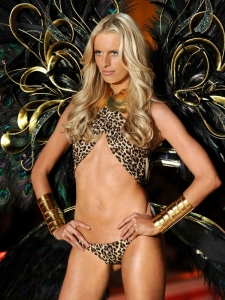 Karolina Kurkova's Missing Belly Button