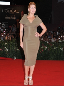 Kate Winslet in Victoria Beckham V-Neck Dress