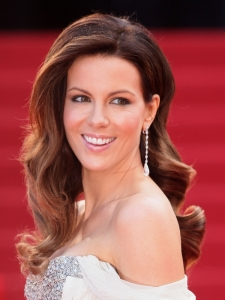 Kate Beckinsale Glam Curly Hairstyle