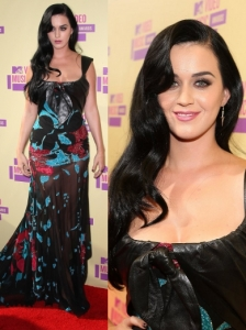 Katy Perry in Elie Saab Gown