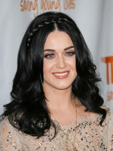 Katy Perry's Wavy Hair with Braided Headband
