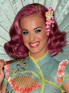 Katy Perry's Pink Hairstyle at the 2011 MTV VMAs
