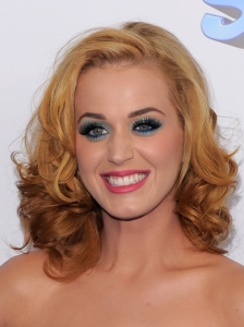 Katy Perry Medium Blonde Hairstyle