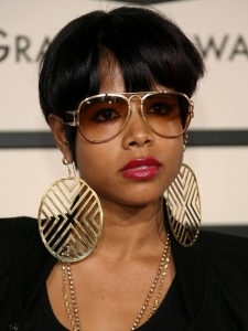 Kelis Short Hairstyle with Bangs