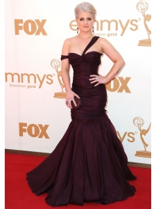 Kelly Osbourne in J Mendel Purple Gown