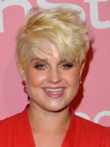 Kelly Osborne Short Blonde Hairstyle