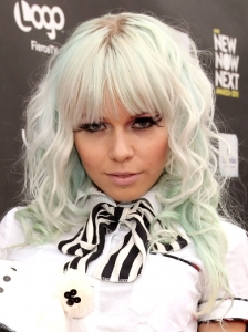Kerli's Mint Blonde Hair Color