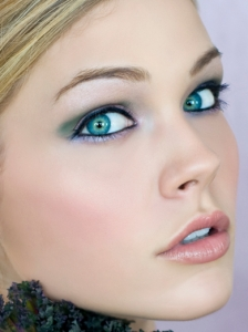 Green Party Eye Makeup Idea