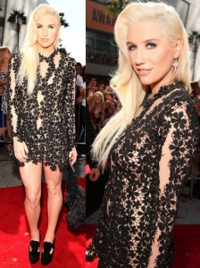 Ke$ha in Zaldy Lace Dress