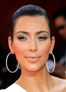 Kim Kardashian Frosty White Eye Makeup