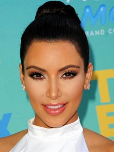 Kim Kardashian Glam Smokey Eye Makeup