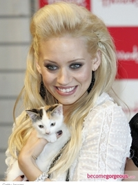 Kimberly Wyatt Front Poof Hairstyle