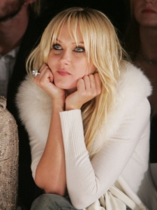 Kimberly Stewart on Jennifer Aniston