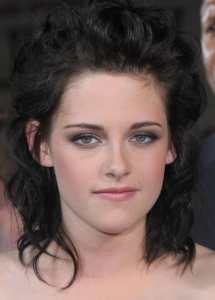 Kristen Stewart Sultry Smokey Eye Makeup