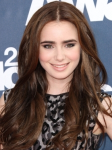 Lily Collins Soft Waves 2011 MTV Movie Awards